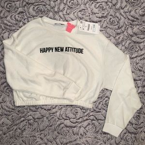Cropped white sweatshirt